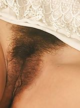 Hairy Babes: Hairy Pussy Girls