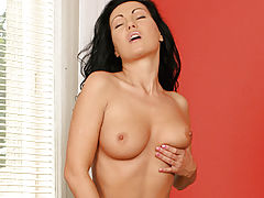 Naked Babe, Anilos soft and sensual laura plays