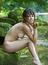 Femjoy Pics: Mabelle - Pure Refreshment