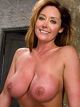 Kink Pussy: Glamour model Christina Carter bound, tortured and made to cum.