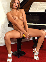shaved pussy angels, Cipriana