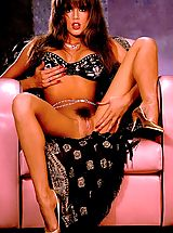 Hairy Babes: Best legs in the biz from the nineties til' now...Racquel Darrian!