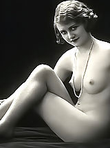 Vintage Babes: Very Old Erotic Vintage Postcards From France Displaying Fully Naked Women