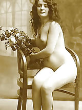 Vintage Babes: Old Fashioned Women