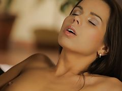 Breath-taking beauty Ferrera Gomez drops her satin nightie to give her pulsing pussy true ecstasy with roaming fingers