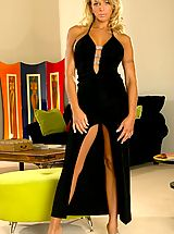 Ebony Babe, Farrah Fields