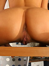 Pussy Babes: It doesnt matter who you are or where you are, this amazing gymnast girl is always happy to enjoy you.