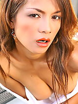 Asian Pics: Asian Women teresa chao 05 small breasts golf