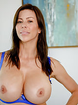 all ladies shaved, Alexis Fawx