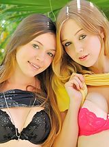 Horny Babes, Aurielee Alaina round asses
