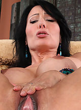 Clitoris, Zoey Holloway