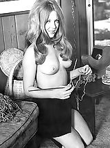 Vintage Pussy: Enjoy These Vintage Photos of a Beautiful Naked Girl that Men Were Jerking on Back in 1960's Antique Porn Hits