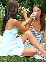 Babe Ass, Sexy Parker Sisters Nude Picnic and Play - 12/3/2013