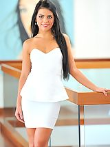 als scan models, Angelic Sweetheart Arianna is gorgeous in white