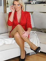 Babe XXX, Secretaries in High Heels Miss Abigail in June 2011