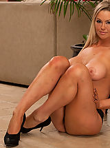 High.Heels Pussy: Hot blonde girl cheats on her boyfriend while he is away, and sleeps with his best friend