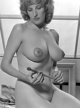 Vintage Babes: Blast from the Past Erotica