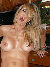 Tan.Lines Pussy: Kelly Madison, Ryan Madison, Brandi Love