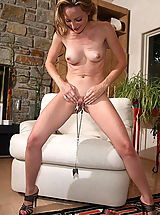 cunt, tabitha 11 large labia shaved pussy clamps