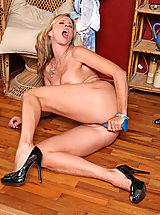Sex Toy Babes: After stripping Anilos Jodi West gets her fave dildo and fucks her experienced pussy