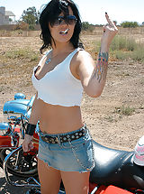 Jeans Babes: Jezebelle needed a ride, she's used to a hog between her legs this time it was Ryan's.