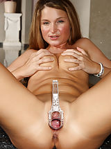 Clit, Euro Beauty Angel Snow Gaping Pussy with Speculum