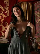 Fantasy Babes: Game of Thrones Girls Sex Slaves of Kings in the middle ages