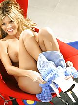 Mature Babes, Nikki Kyle, Naughty Girl