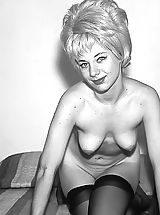 Vintage Babes: Enjoy These Vintage Photos of Beautiful Naked Girls with Weird Hair Style That Men Were Jerking On Back In 1960