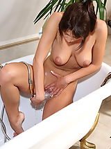 stracy 04 natural titties showered wetpussy
