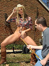Outdoors Pics: amy brooke 04 gardener teen pussy