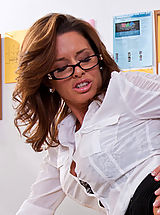 Secretary Pussy: Sexy teacher Veronica Avluv squirts all over a big cock.