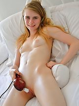 shaved snatch, Intimate Pink Spreads